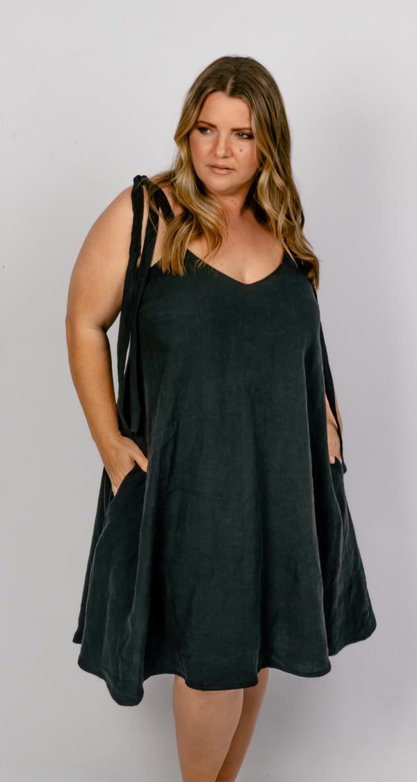 Plus size LInen Dress clothing Australia, Plus size linen slow fashion, Ethical clothting brands australia, slow fashion australia